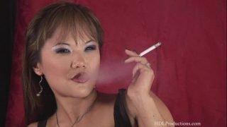 Mia Smiles – Smoking Fetish at Dragginladies